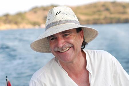 """Imatge de l'entrada """"El Govern de les Illes Balears  nomena Ponç Pons 'Escriptor de l'any 2011'"""""""